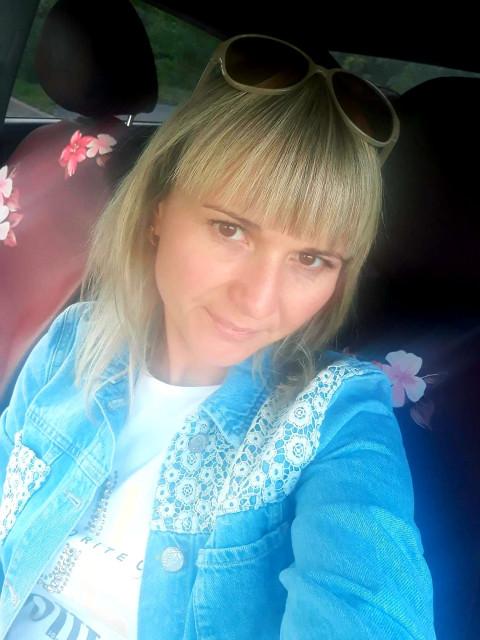 Анна, Россия, Кемерово, 33 года, 2 ребенка. Хочу найти Надежного и чувством юмора.