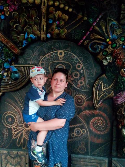 Екатерина, Украина, Алчевск, 30 лет, 1 ребенок. Хочу найти Серьёзного, надёжного мужчину, который сможет найти общий язык с моим сыном, который хочет создать с