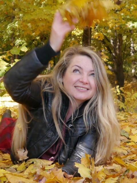Светлана, Россия, Москва, 44 года, 2 ребенка. Спокойная, мягкая, улыбчивая. Меня любят дети, животные и даже растения. Нежные руки и приятный голо