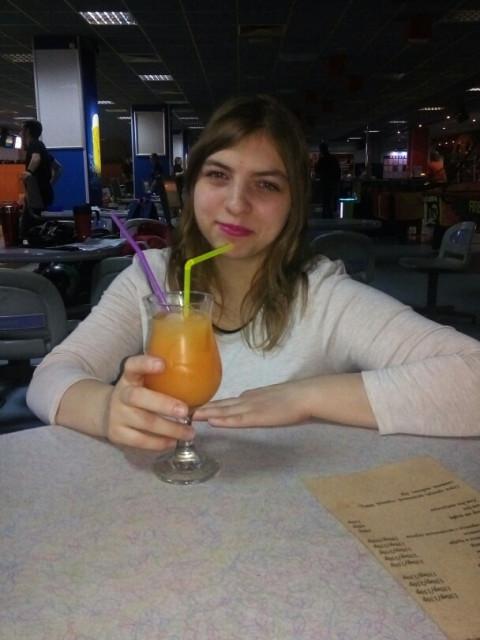Вера, Россия, Москва, 27 лет. Хочу найти добрым отзывчетым чтоб любил детишек