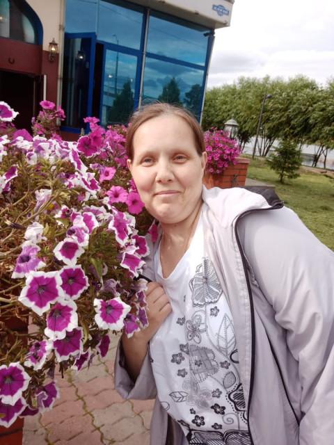 Юлия, Санкт-Петербург, м. Ломоносовская, 37 лет, 3 ребенка. Хочу найти хорошего, порядошнего, нормального человека, не пьющего. Не боялся жизни. как говориться вместе можн
