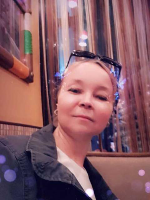 Юлия, Россия, Москва, 48 лет, 1 ребенок. Привет! Я москвичка, со спортивной фигурой, имею взрослую дочь(живет отдельно), работаю на себя, люб