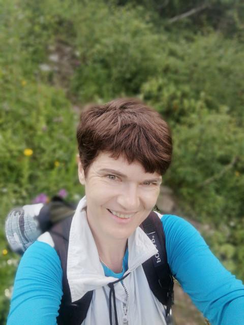 Елена, Россия, Ростов-на-Дону, 46 лет, 2 ребенка. Неординарная) Работаю в СМИ. Разведена. У меня двое мальчишек, один взрослый, второй пока нет). Впол