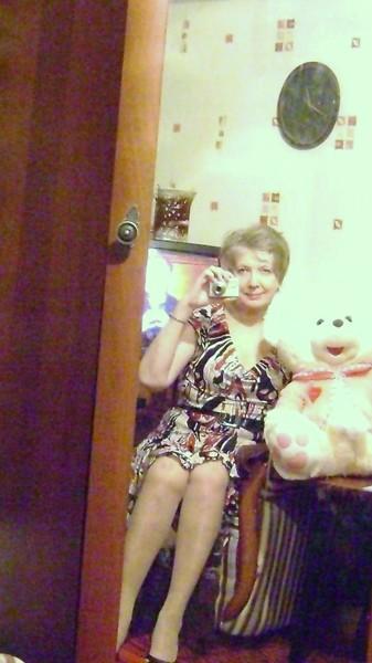 алена, Россия, Ижевск, 70 лет, 1 ребенок. Порядочная.          и.        хочу найти подобного друга жизни ,люблю море и природу,порядок в жиль