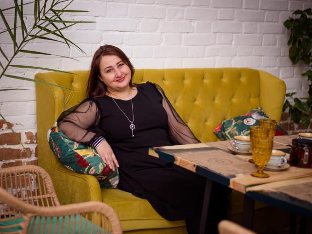 Ирина, Казахстан, Петропавловск, 44 года, 5 детей. Жизнерадостная оптимистка. Могу как поддержать любой разговор, так и промолчать, когда надо. Люблю к