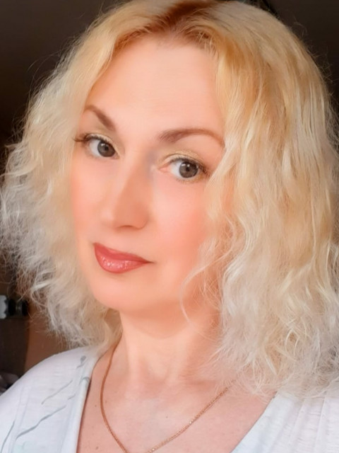 Анжелика, Россия, Москва, 53 года, 2 ребенка. Хочу найти Интересного, уверенного в себе, умеющего быть счастливым и без женщины, который не будет цепляться з