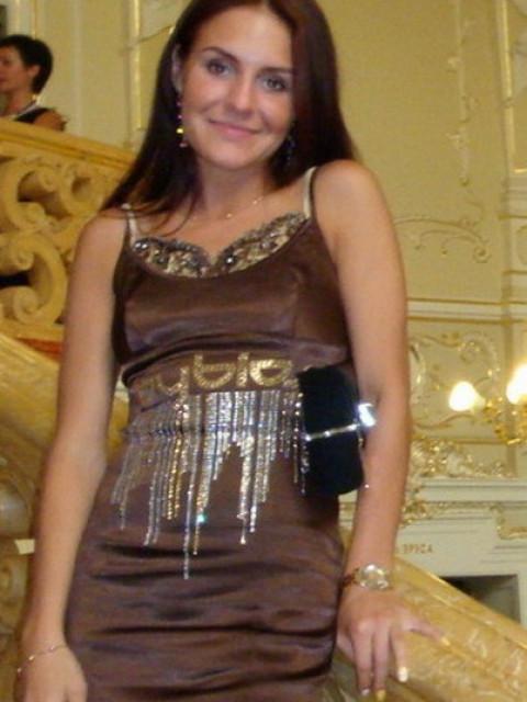 Елена, Украина, Одесса, 40 лет. Хочу найти Порядочного, образованного, интеллигентного, без вредных привычек.