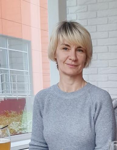 Елена, Россия, Осташков, 48 лет, 2 ребенка. Она ищет его: Жду мужчину доброго, миролюбивого, приятной внешности.  Человека с чувством юмора, способного догов