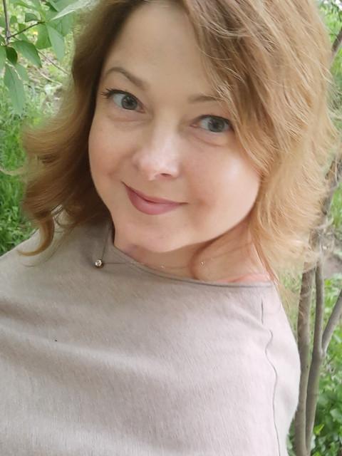 Светлана, Россия, Москва, 45 лет, 1 ребенок. Хочу найти Буду рада общению с  обаятельным  мужчиной с чувством юмора
