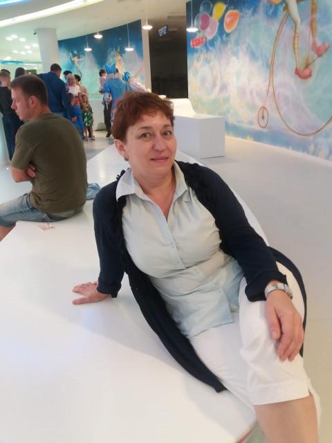 Ирина, Россия, Челябинск, 48 лет, 3 ребенка. Хочу найти Встретить мужчину от 48  до 60 лет. Надёжного. Уверенного. Весёлого.