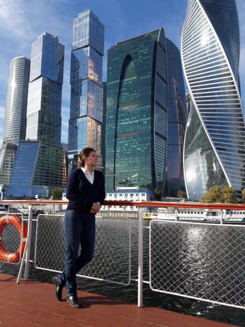 Анна, Россия, Москва, 26 лет. Хочу найти Приятного в общении, умного, доброго и надежного.