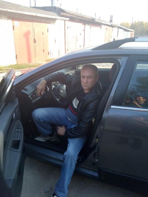 Олег, Россия, Радужный, 45 лет, 1 ребенок. Не женат, есть квартира, машина, не пью, курю