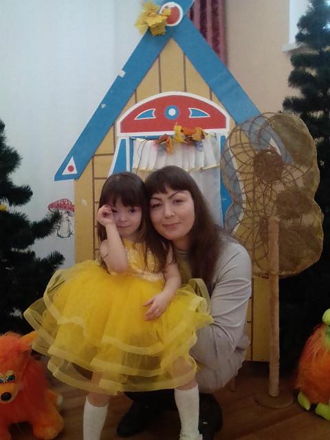 Наталия, Россия, Чебоксары, 43 года, 1 ребенок. Она ищет его: Серьезного, без вранья, готового быть опорой и любящим мужем и папой . Человека , котоый может полюб