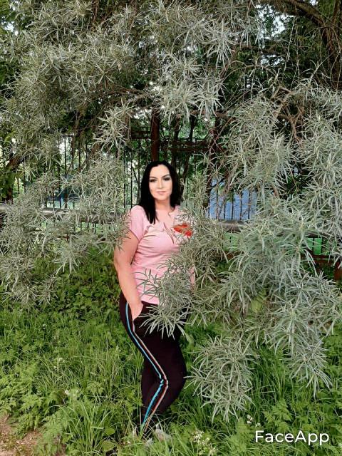 Лариса, Россия, Москва, 52 года, 3 ребенка. Она ищет его: Высокого. Умного. Плотного. Чтоб ценил и уважал.