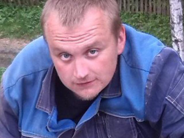 Алексей, Россия, Иваново, 38 лет. я не красавчик но и не урод холост пишу стихи о любви  мечтаю найти свою вторую половинку  есть св