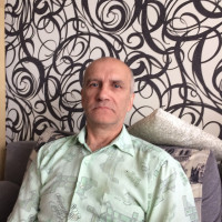 Владимир, Россия, Тольятти, 58 лет. Живу один, работа, летом дача, не пью вообще. Хочу найти друга-женщину, а там посмотрим, как сложить