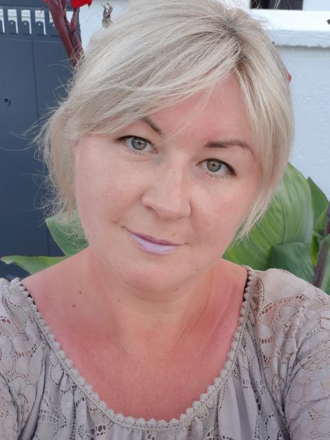 Анна, Россия, Санкт-Петербург, 42 года, 1 ребенок. Познакомлюсь с мужчиной для любви и серьезных отношений, брака и создания семьи.